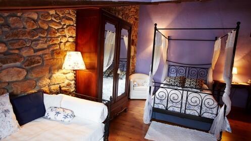 Una o dos noches en Ochohermanas con opción a Suite con bañera doble hidromasaje