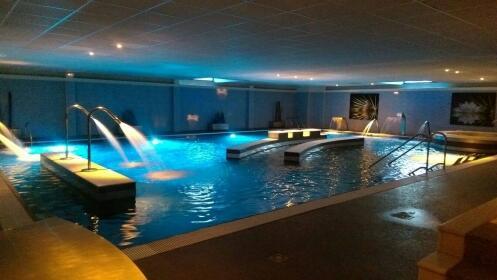 Spa ilimitado para dos personas con opción a masaje en Aquacenter Alday