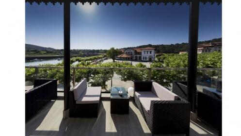 Alojamiento para 2 en Hotel Bahía de Plentzia con desayuno y entradas al Guggenheim