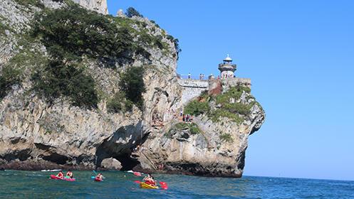 2 h. en piraguas por la bahía de Santoña + Snorkel + Visita a fábrica de conservas para 2 ó 4 personas
