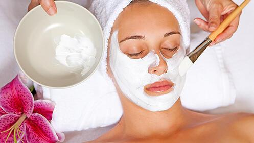 Higiene facial con mouse radiante + exfoliación enzimática + mascarilla a base de agua + crema