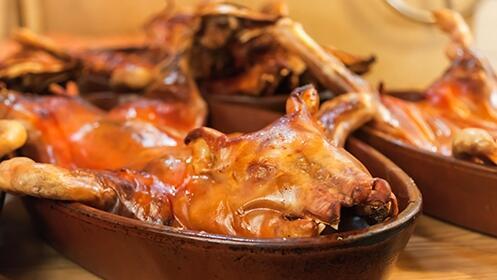 Exquisito menú para dos con cochinillo de Segovia