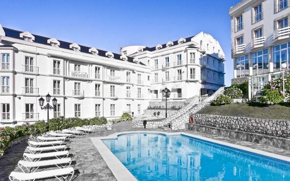 Escapada a Gran Hotel Suances ****
