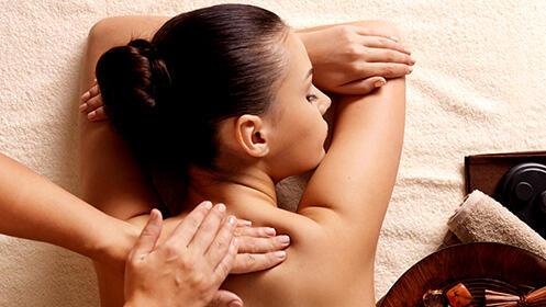 Elige entre masaje relajante, radiofrecuencia facial o corporal o vendas reductoras con presoterapia