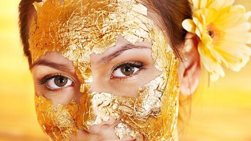 Limpieza facial con mascarilla de oro o colágeno